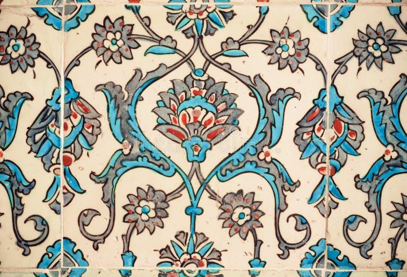 Bloempatronen op tegels in de oude Turkse stijl royalty-vrije stock foto