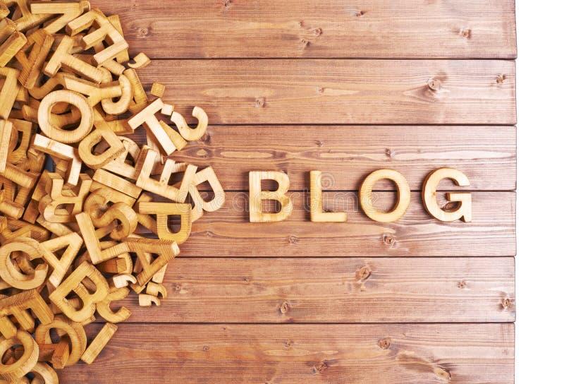 Blog de la palabra hecho con las letras de madera fotografía de archivo libre de regalías