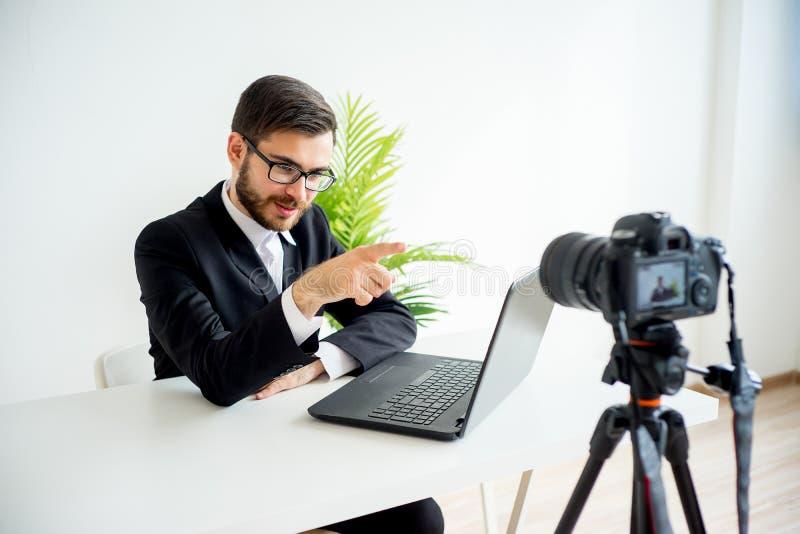 Blogger visuel masculin photographie stock libre de droits