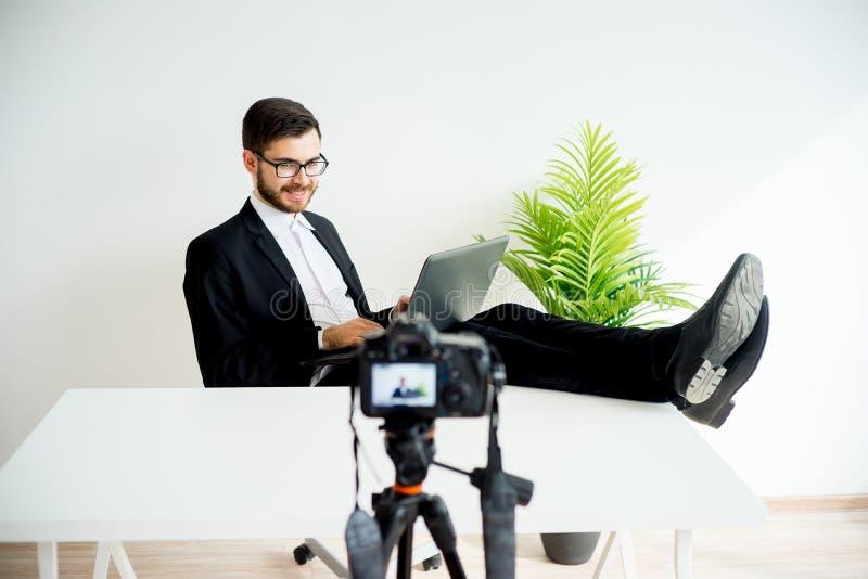 Blogger visuel masculin images stock