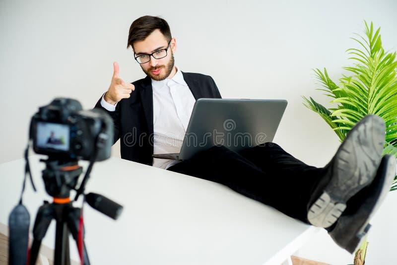 Blogger visuel masculin image stock