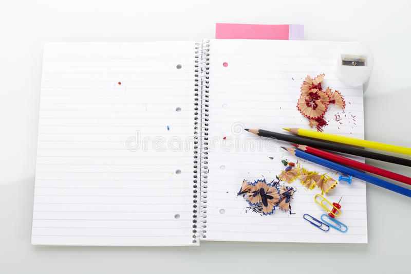 Blok met potloden stock foto