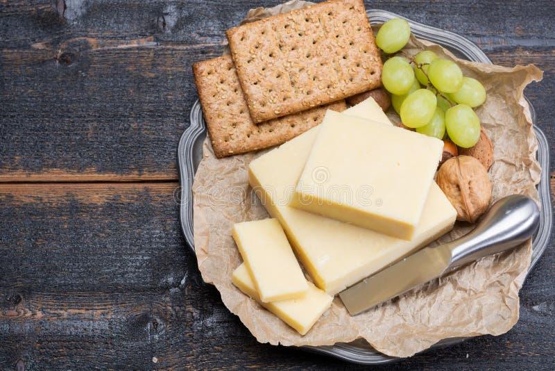 Blok starzejący się cheddaru ser popularny typ ser wewnątrz zdjęcie royalty free