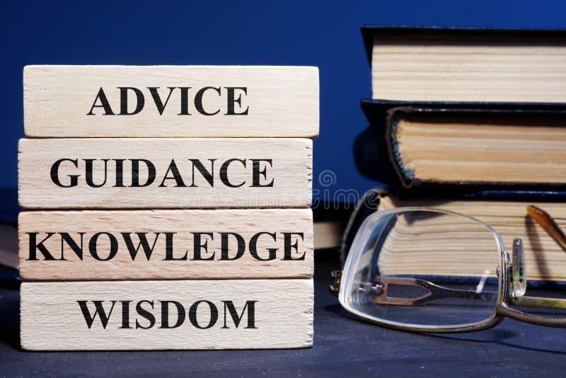 Bloki z słowo rady przewodnictwa mądrości wiedzą zdjęcie royalty free