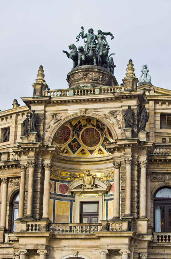 Blokkenwagen bij de operabouw - Dresden, Duitsland royalty-vrije stock foto