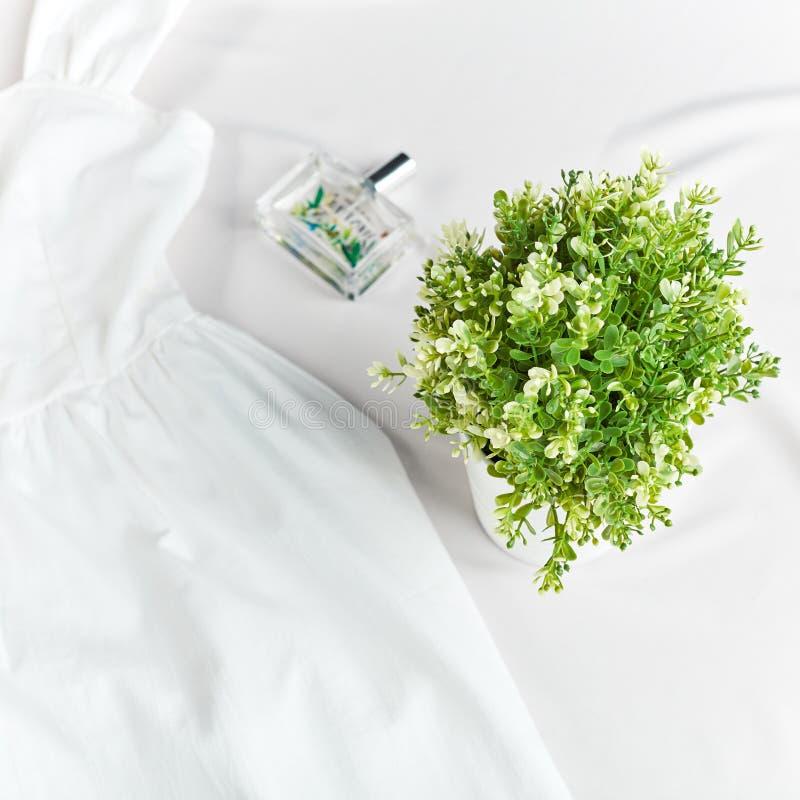 Blom- doft för ny sommar Modesk?nhetbegrepp arkivbilder