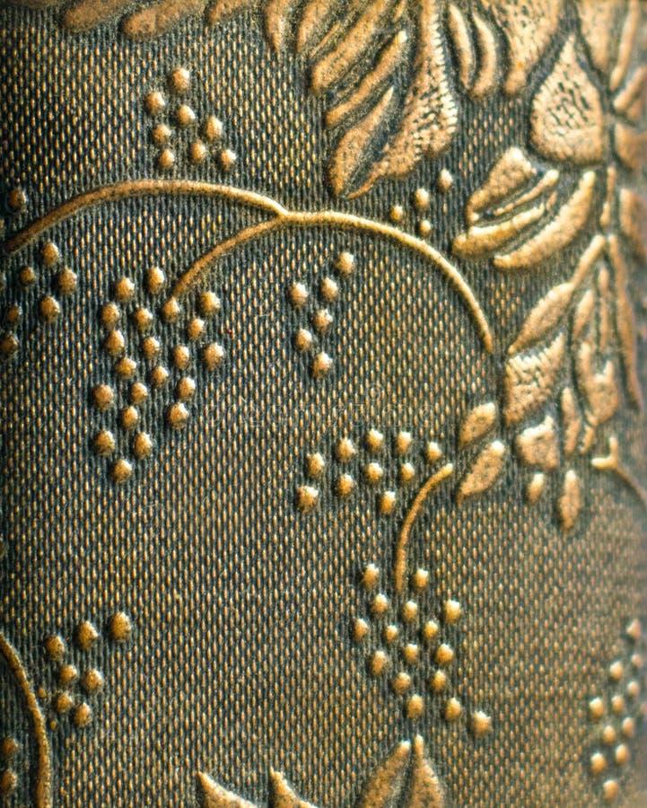 Blom- guld- antik tapetbackround arkivbild