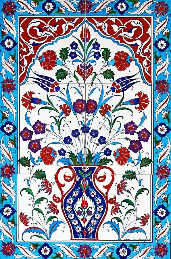 Blom- keramiska tegelplattor royaltyfri foto