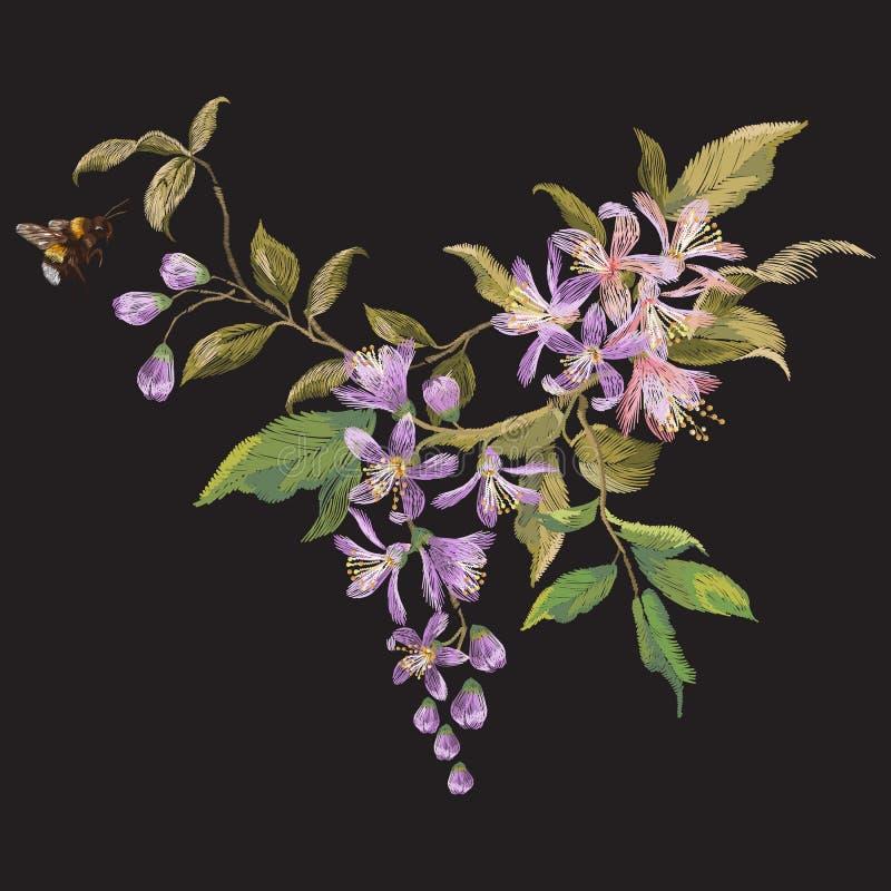 Blom- modell för broderi med den lila blomningen och biet royaltyfri illustrationer