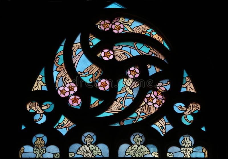 blom- nouveaumodell för konst nedfläckadt fönster för exponeringsglas arkivfoto