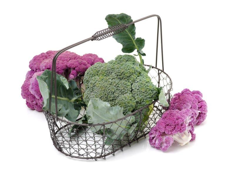 Blomkålbroccoli och roman kålhög arkivbilder