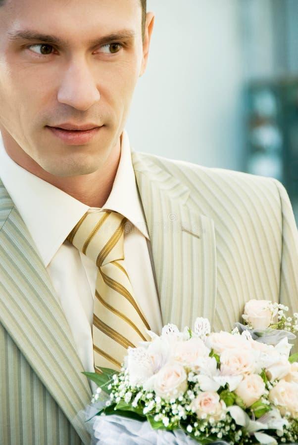 blommabrudgum royaltyfri foto