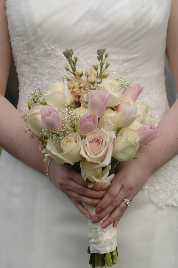 blommacirkelbröllop arkivbilder