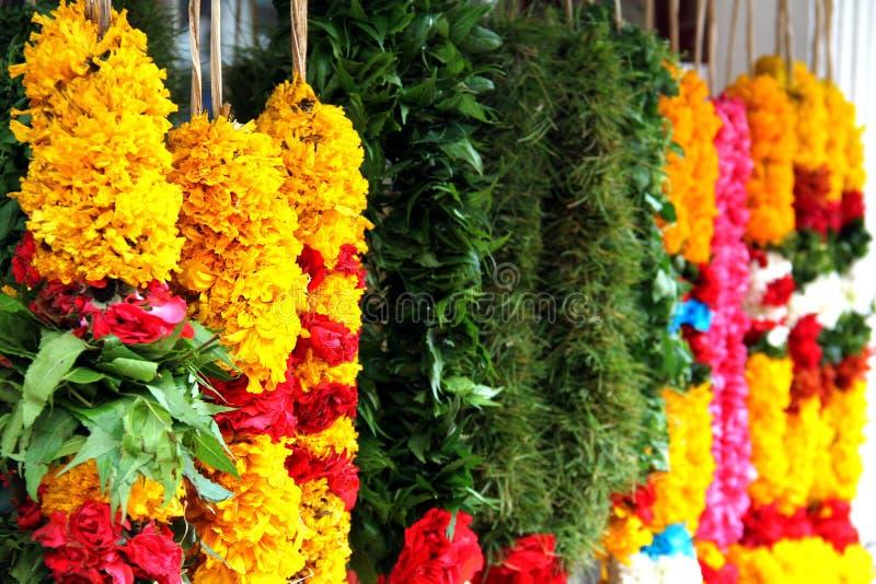 blommagirlander royaltyfri foto