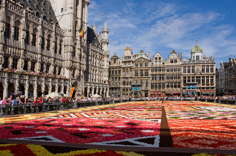 Blommamatta i Bryssel royaltyfri bild