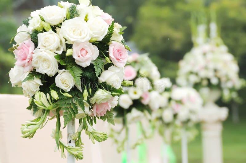 blommamottagandebröllop royaltyfri foto