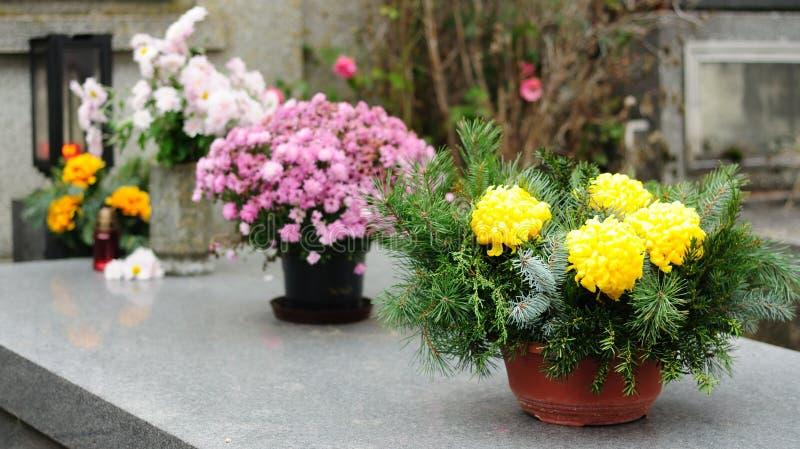 blommar begravning arkivbilder