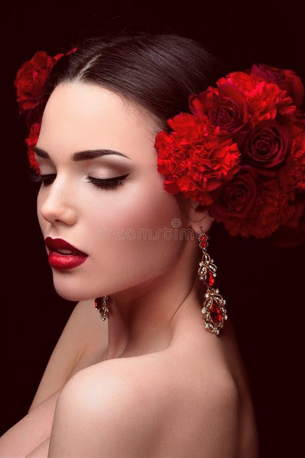 blommar flickahår henne royaltyfri foto
