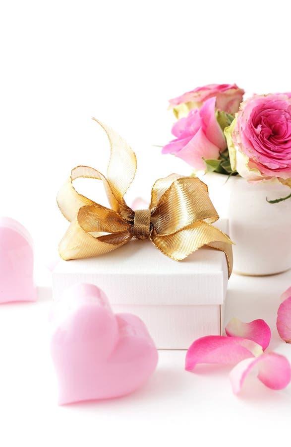blommar gåvan arkivfoton
