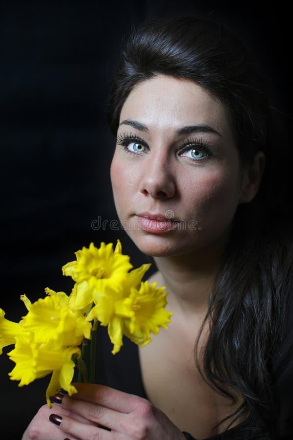 blommar kvinnabarn royaltyfri bild