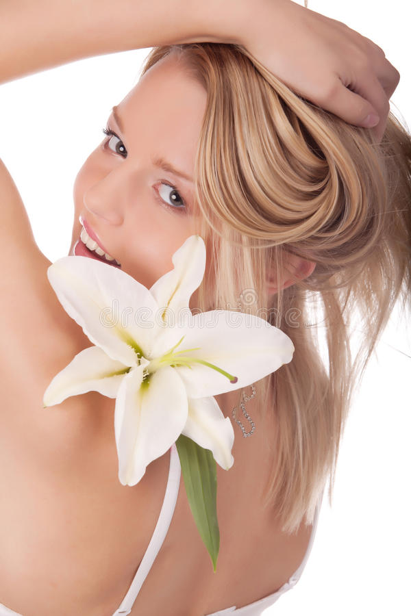 blommar naturligt le kvinnabarn arkivfoton