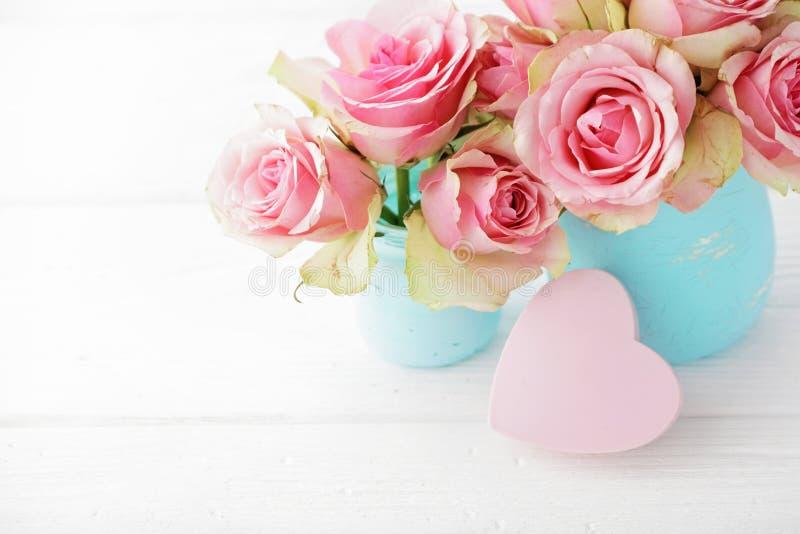 blommar vasen arkivbild
