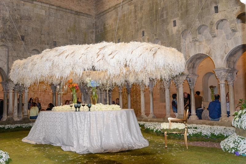 Blommors Tid 2017 i den Sant Pere de Galligants abbotskloster, Girona, Spanien royaltyfri fotografi
