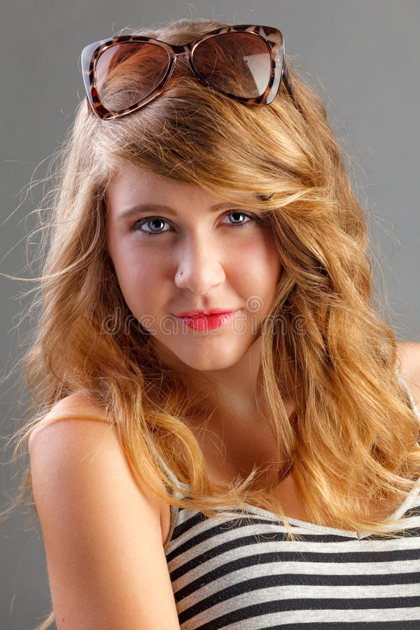 blond atrakcyjna dziewczyna zdjęcia stock