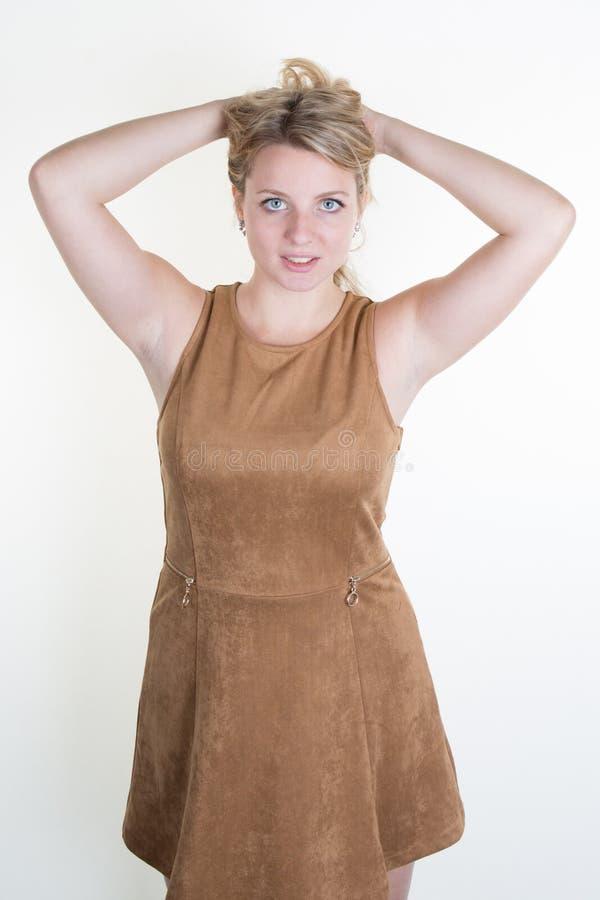 Blond en mooi geïsoleerd meisje royalty-vrije stock foto's