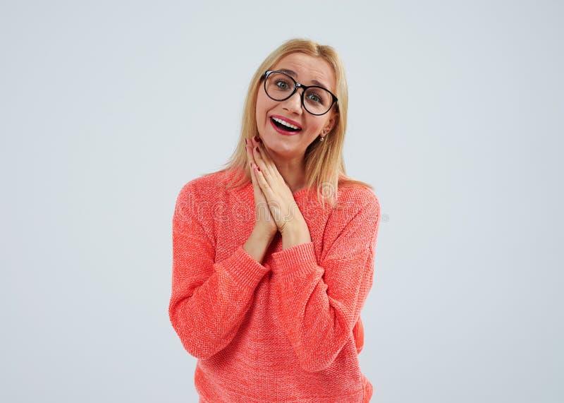 Blond en verres Concept de tendresse images stock