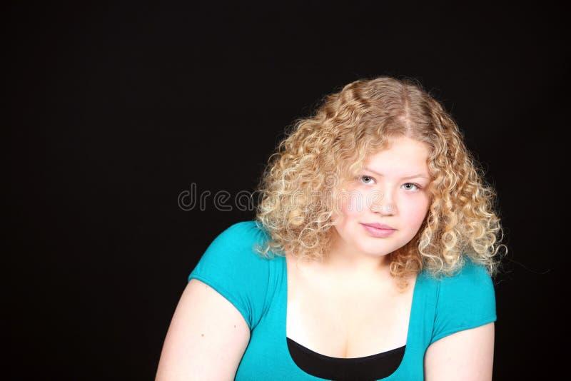 blond flicka för avewrage royaltyfria foton