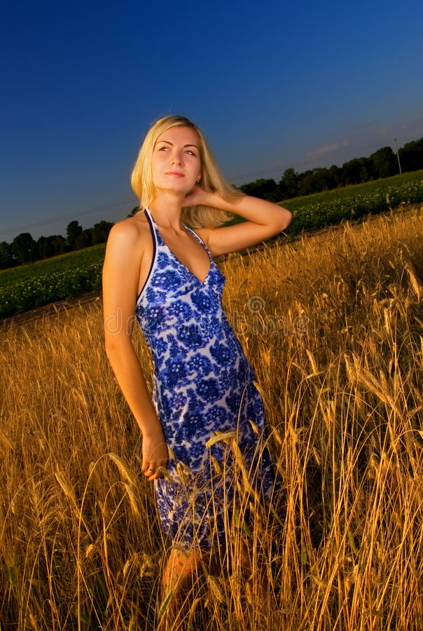 Download Blond Girl In The Field Royalty Free Stock Photos - Image: 3358598