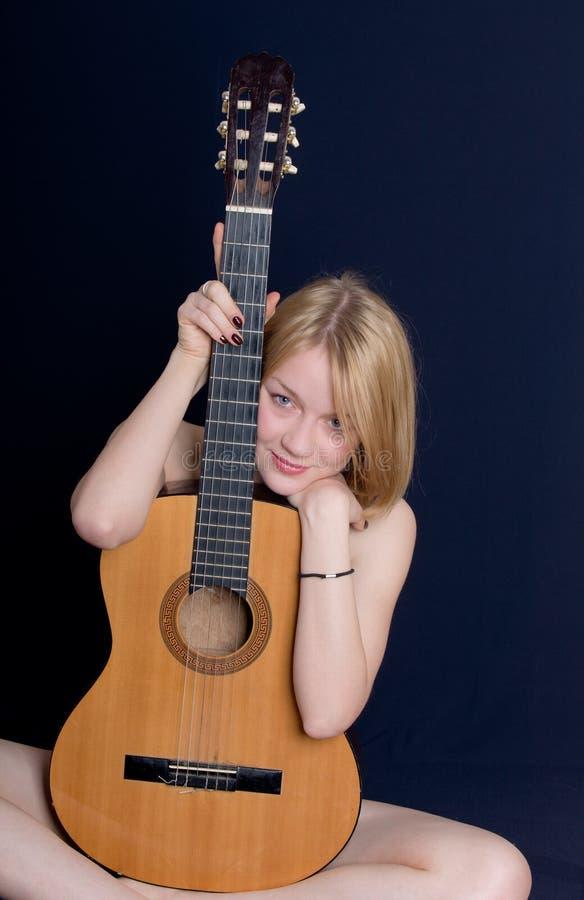blond gitarr arkivfoton