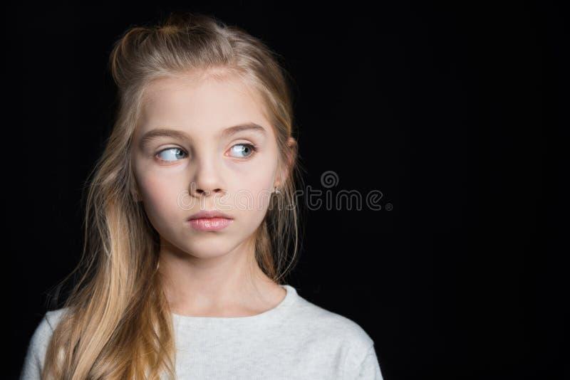 blond gullig flicka fotografering för bildbyråer