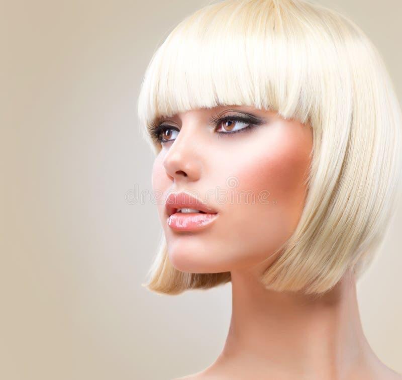 Blond Hårmodellkortslutning Royaltyfria Bilder