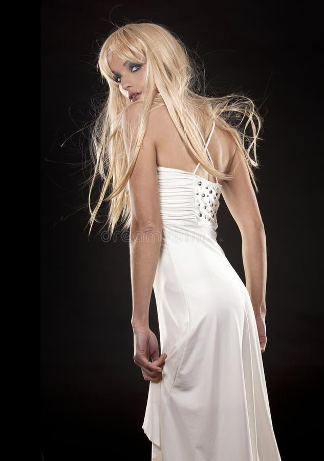 blond klänningwhite arkivbilder