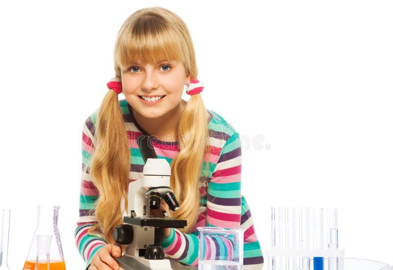 Blond knap tienerschoolmeisje stock fotografie