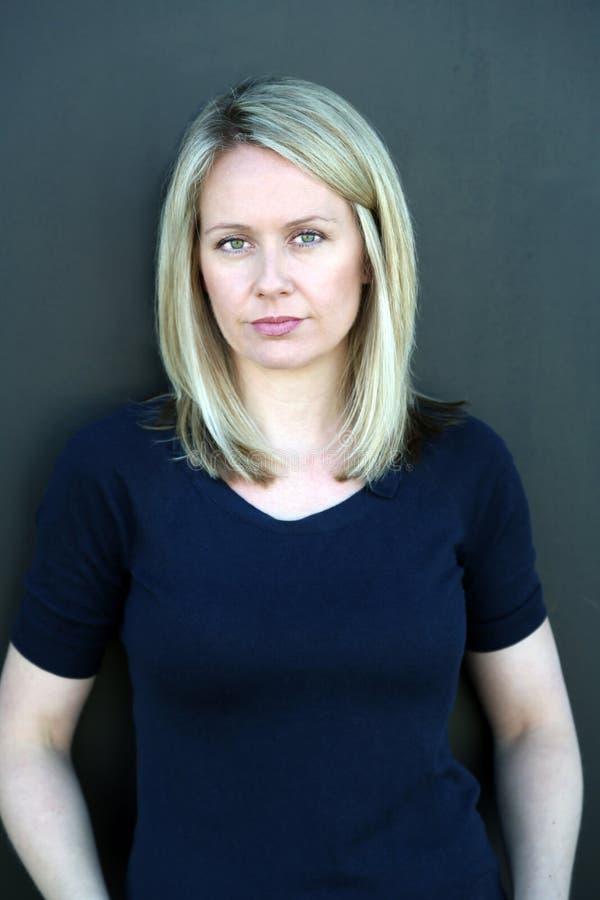 Blond kvinnaskönhet arkivfoton
