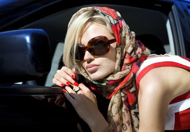 blond modekvinna royaltyfri foto