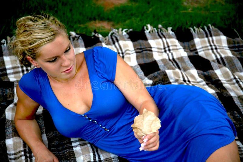 Blond Model in de Spruit van de Manier stock afbeelding
