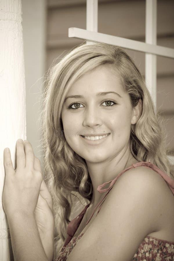 Blond natuurlijk portret stock afbeeldingen