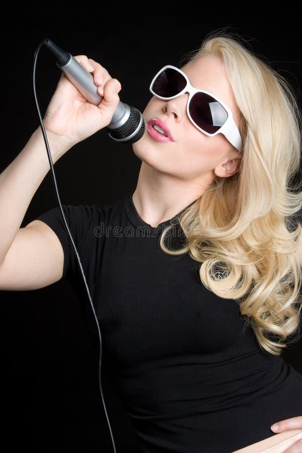 blond piosenkarz zdjęcie stock