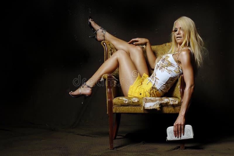 blond sexig kvinna arkivfoto