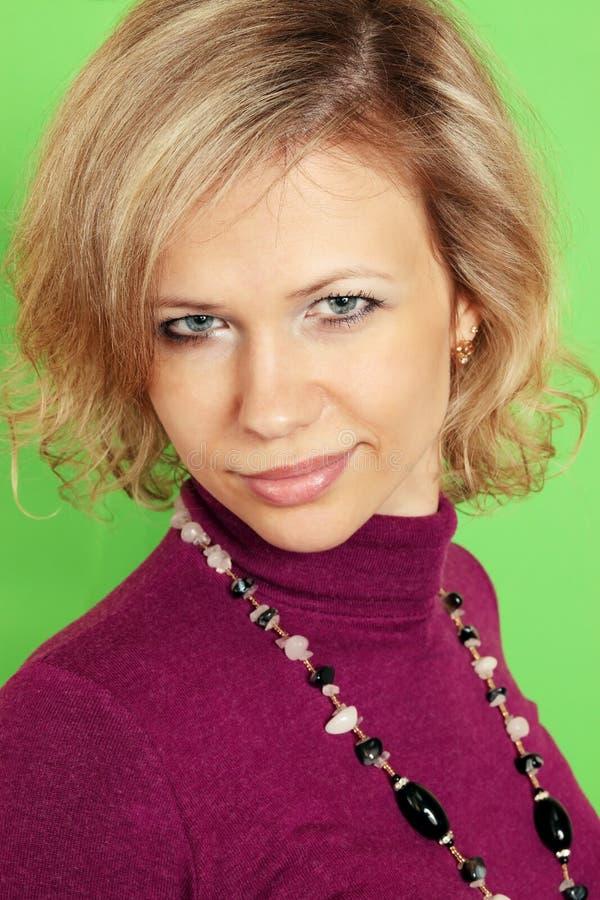 Blond sur le vert photos libres de droits