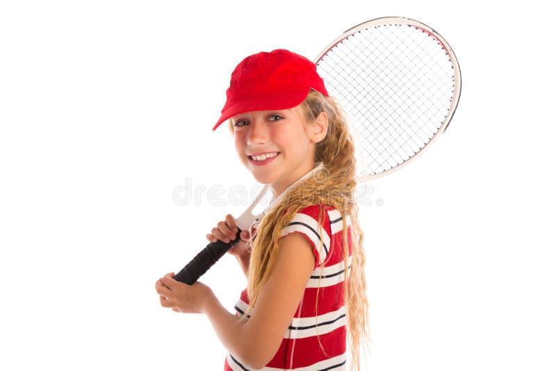 Blond tenisowa dziewczyna z ochraniaczem i czerwonym nakrętki ono uśmiecha się obraz stock