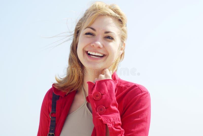 blond uśmiechnięte kobiety zdjęcie royalty free