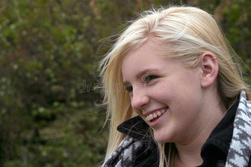 blondasie uśmiecha się zdjęcie royalty free