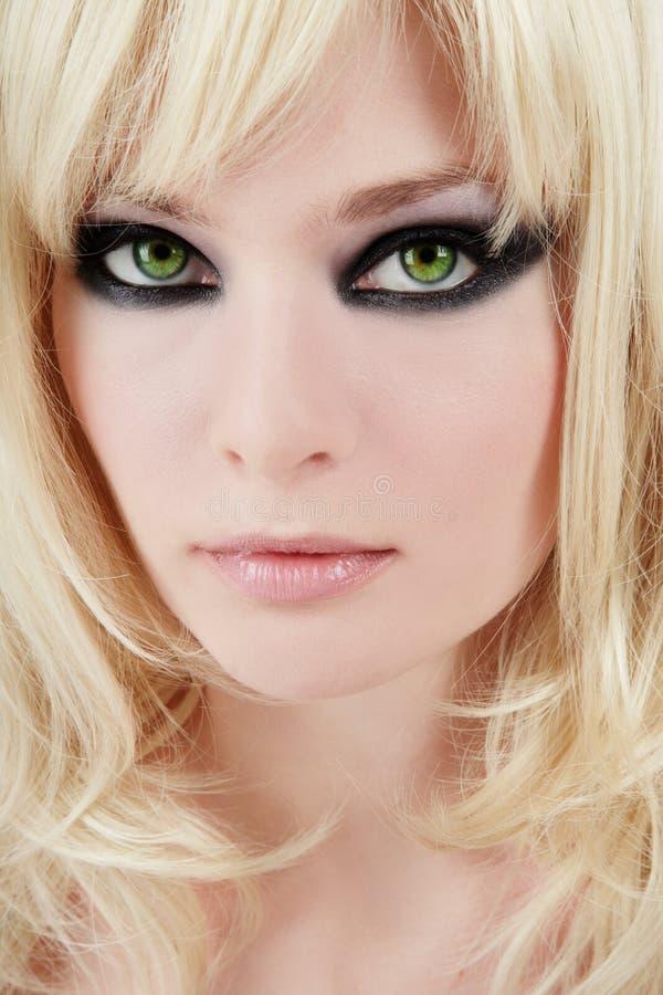 blonde aux yeux verts photo stock image du beau attrayant 6273028. Black Bedroom Furniture Sets. Home Design Ideas