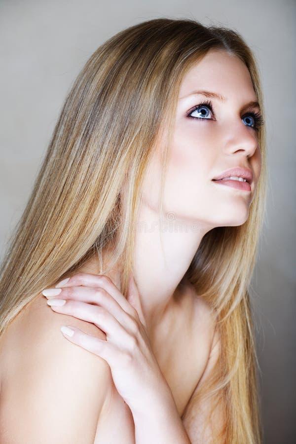 Blonde beautful vrouw royalty-vrije stock foto's