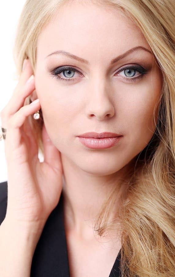 blonde bonito com cabelo curly foto de stock